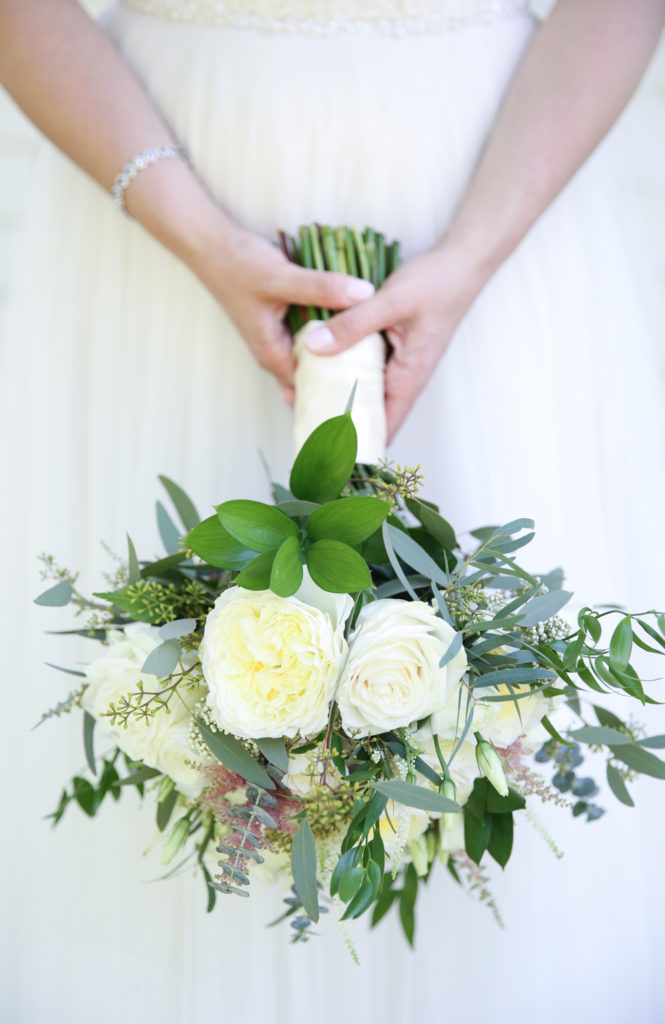 Grohe Florists white and green bridal flowers by Magdalena Stefanek Photography