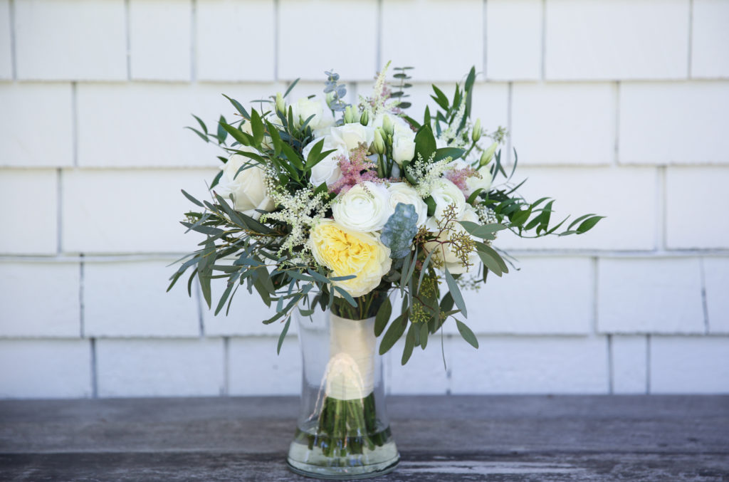 white wedding bouquet by Grohe Florists