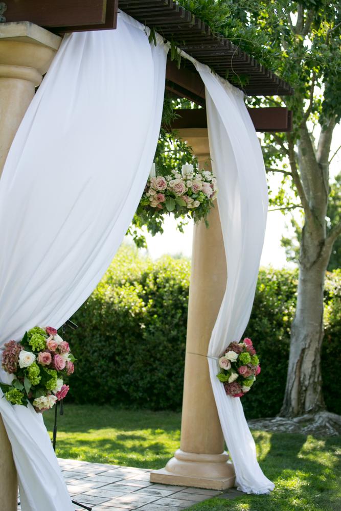 wedding flowers at vintners resort