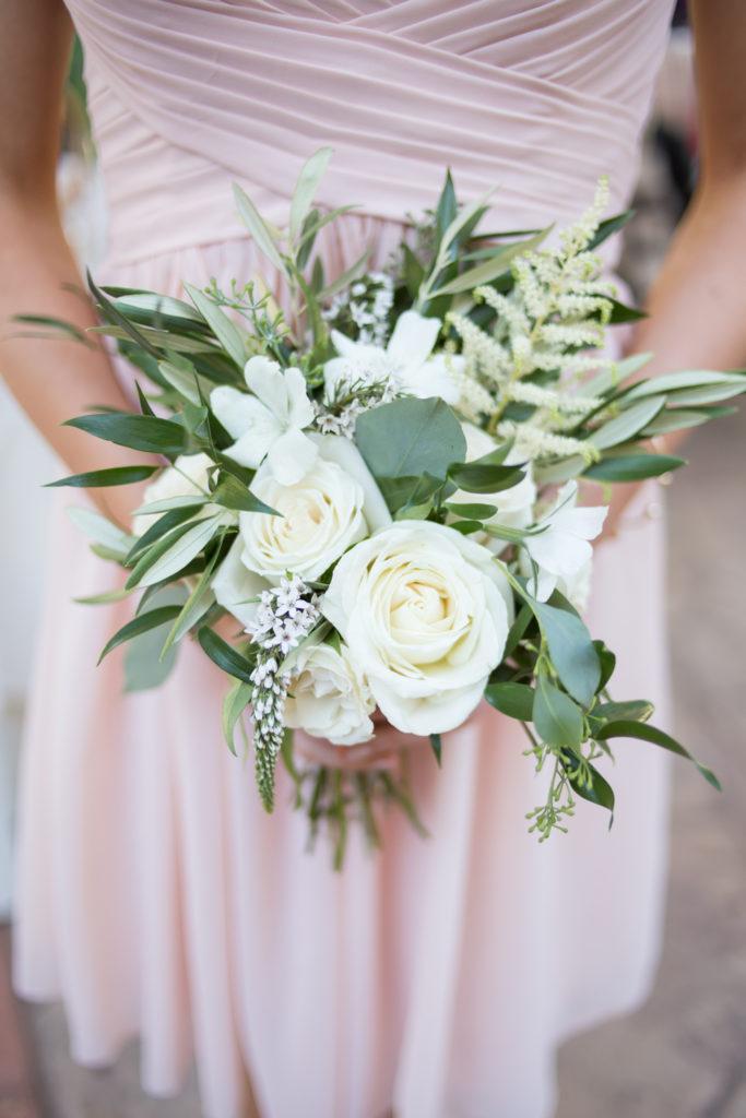 white bridesmaid's bouquette